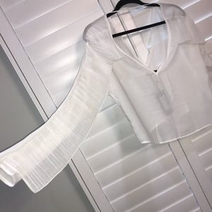 White sheer Cropped Blouse w. ruffle sleeves